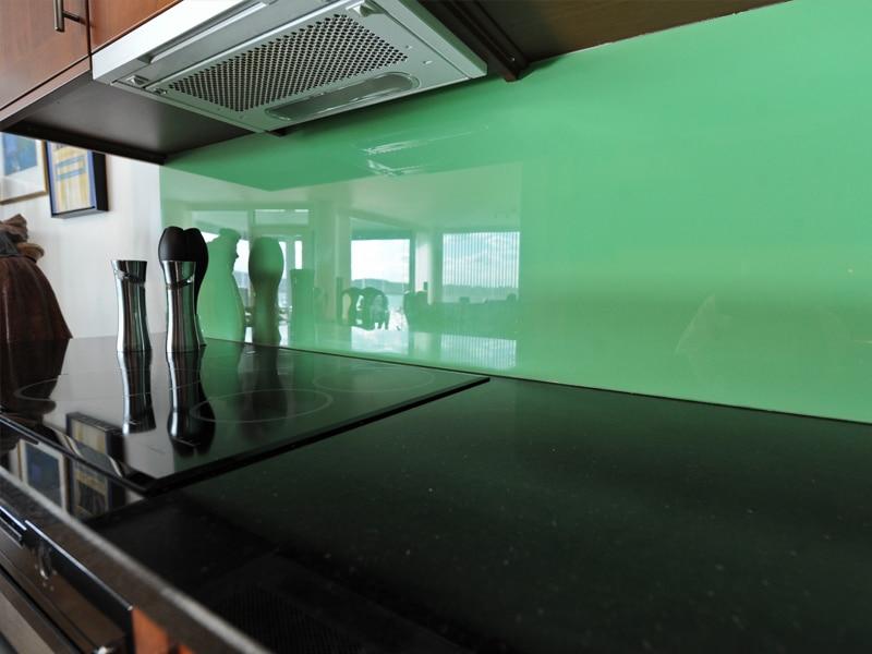 Grønn glassplate på kjøkkenvegg haugesund / karmøy